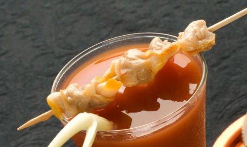 Bloody Mary con berberechos
